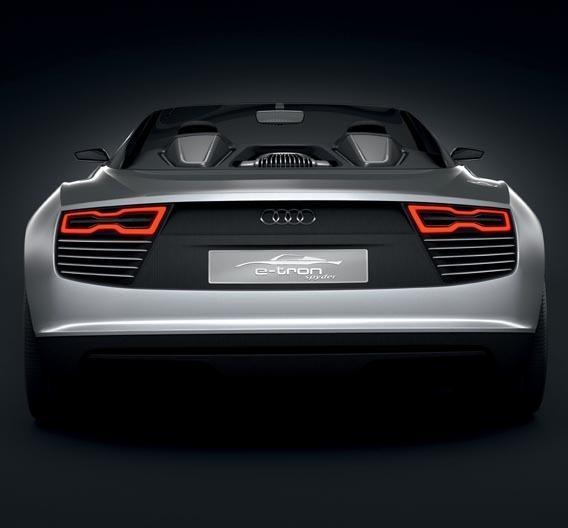 Audi kombiniert beim e-tron Spyder einen 3-l-Dieselmotor mit zwei Elektromotoren.