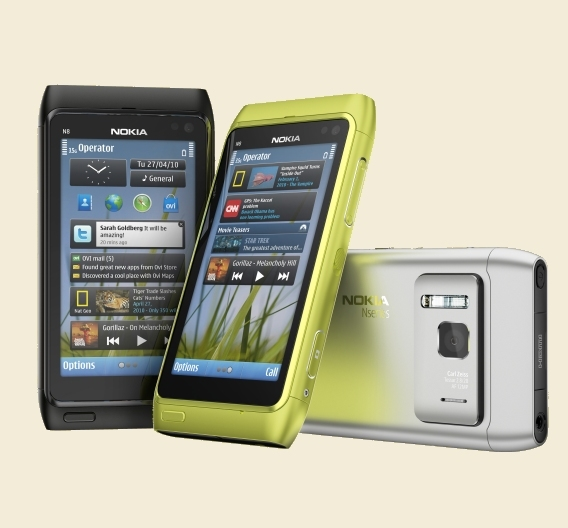 Das neue Smartphone N8 von Nokia kommt mit einer 12-Megapixel-Kamera, ausgestattet mit einer Carl-Zeiss-Optik und einem Neon-Blitz.