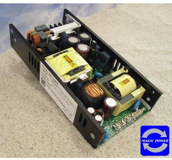 Das »MPI-400« ist mit den Ausgangsspannungen 12 V, 24 V oder 48 V zu haben.