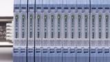 Im 6-mm-Anreihgehäuse ist der Normsignaltrenner »VariTrans A 21000 P0« von Knick untergebracht.