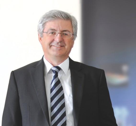 Erich Scheugenplfug, Scheugenpflug: »Die Investitionen 2009 haben sich auf jeden Fall ausgezahlt. Mit unseren neuen Produktionsmaschinen können wir schneller und in einer besseren Qualität liefern, zudem sind wir unabhängiger von der Zulieferindustrie.«