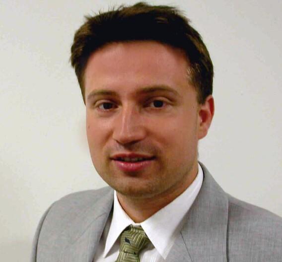 Claudiu Ciobotaru, Panasonic Electric Works Europe: »Weil die Anzugsspannung des Relais mit höherer Temperatur steigt, ist es oft sinnvoll, das Relais mit einem Haltestrom zu betreiben.«