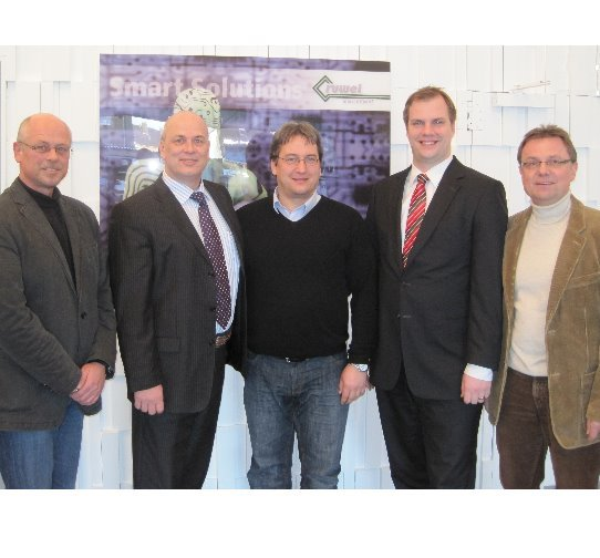 von links: Oliver Holz, Jos van Kempen (beide Ruwel), Markus Wölfel (Jumatech), Thomas Wittig, und Hans-Gerd Vousten (bei Ruwel)