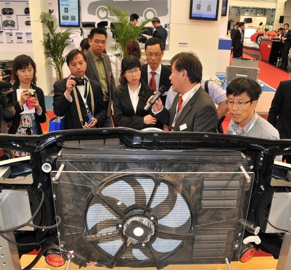 Auf der Auto Shanghai 2011 stellte Brose erstmals dem asiatischen Markt seine Kompetenz bei Elektromotoren vor.
