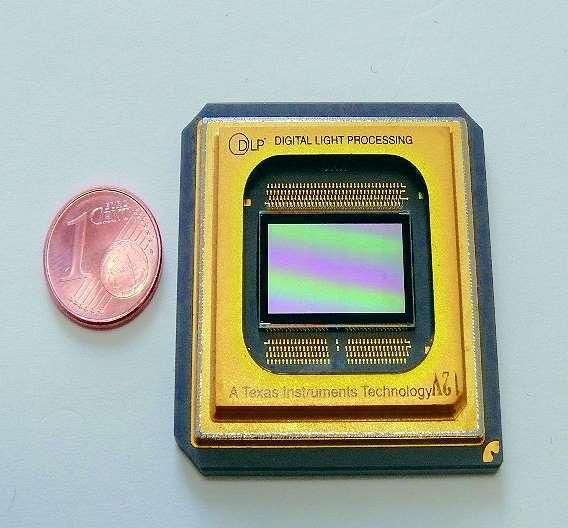 Bild 2: Typischer Mikrospiegel-Chip von Texas Instruments