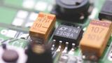 High-Power-LEDs erfordern eine fein abgestimmte Stromversorgung, weil sie einen unmittelbaren Einfluss auf die Intensität und Farbtemperatur hat.