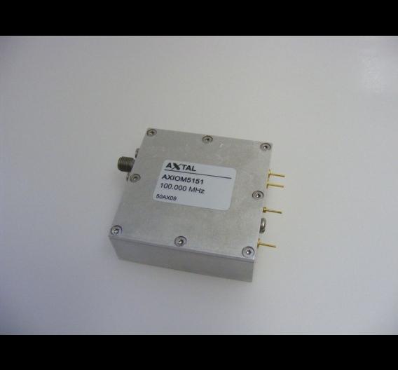 Mit dem Modell AXIOM5151 ist es Axtal gelungen, das Phasenrauschen von temperaturstabilisierten Quarzoszillatoren (OCXO) auf einen Wert von –180 dBc/Hz zu drücken.