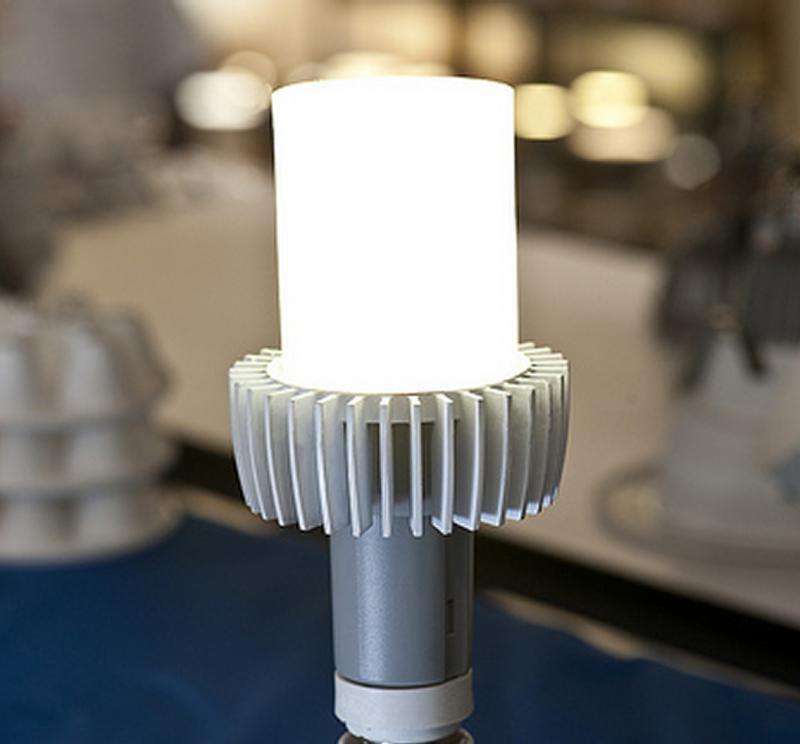 prototyp von cree led lampe zehnmal besser als die. Black Bedroom Furniture Sets. Home Design Ideas