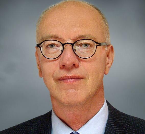 """Ab Oktober wird Dr. Rutger Wijburg Vice President und General Manager des Halbleiterwerks """"Fab 1"""" von Globalfoundries. Er ersetzt Elke Eckstein."""