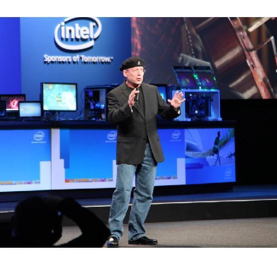 Mooly Eden, Vice President und General Manager von Intels PC Client Group, hielt die Keynote am 2. IDF-Tag. Thema: Ultrabooks.