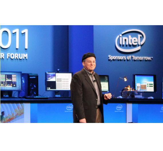 Intel-CTO Justin Rattner kopierte den Look seines Kollegen Moody Eden - sieht Rattner mit Mütze wirklich besser aus?