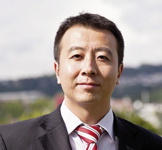 """Richard Hu, General Manager der neuen Eberspächer-Tochter: """"Wir unterstützen unsere Kunden nicht nur bei der Umsetzung der künftigen Abgasnormen für eine umweltverträgliche Mobilität in China, sondern können unsere Lösungen auch an die marktspezifischen Gegebenheiten vor Ort anpassen."""""""