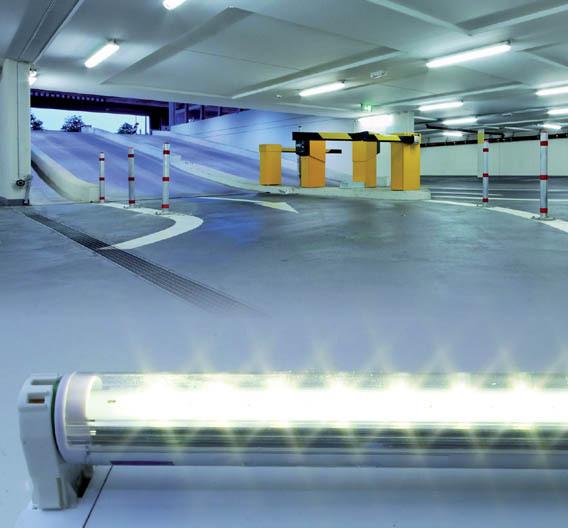 Bild 1. Die Retrofit-T8-Leuchte eignet sich vor allem für technische Beleuchtungssysteme wie z.B. die Beleuchtung eines Parkhauses.