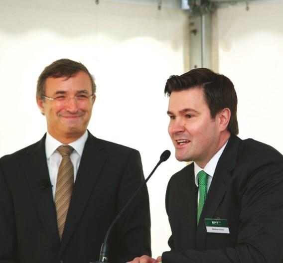 Ermuntert zum offenen Dialog zwischen OEM und EMS: Matthias Holsten, Geschäftsführer der Plath EFT GmbH (rechts), mit Hubertus Andreae, Referent und Prozessberater der Elektronikindustrie
