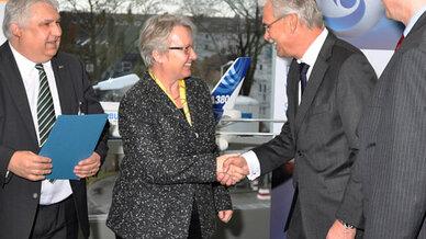 Prof. Jürgen Becker, Prof. Dr. Annette Schavan, Bernhard Gerwert, Prof.  Heinrich Dämbkes (v.l.n.r.)