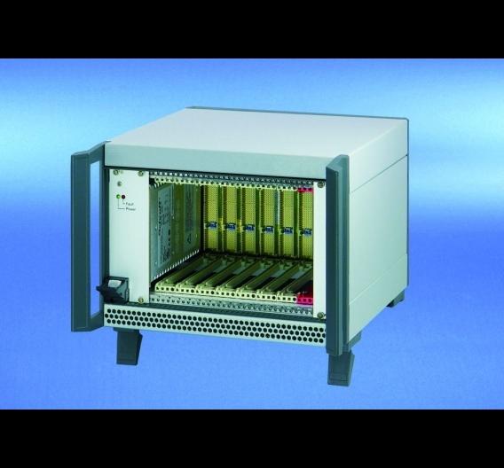 CompactPCI-System (PICMG2.0, Rev.3.0) als Tischgehäuse
