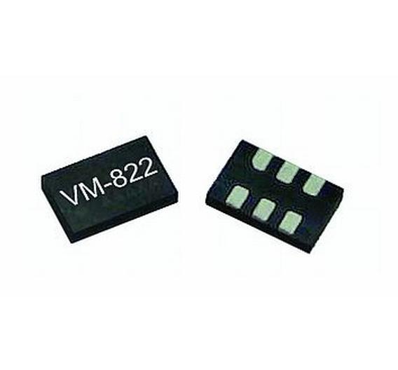 Ein MEMS-basierter Taktgenerator der Serien VM 702, VM 802 und VM 822 von Vectron International