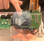 Evaluationsboard mit Solarzellen und flexibler Batterie