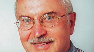 Günther Klasche war von 1980 bis 2007 Chefredakteur der Elektronik und prägte das Fachmedium. Begonnen hatte er bereits 1968 als Redakteur und war damit fast 40 Jahre bei der Elektronik.
