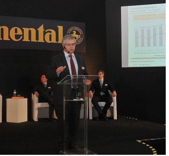 Josè Avila, Mitglied des Vorstands und Leiter der Division Powertrain, während seiner Rede bei der Eröffnungsfeier des Testcenters in Salto.