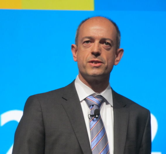 ARM-VP Simon Segars, Chef des Geschäftsbereiches Prozessoren, stellte Cortex-A57 und -A53 während seiner Keynote vor.