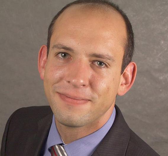 Simon Hoher von der Universität Stuttgart konnte sich im Bereich Drives druchsetzen.