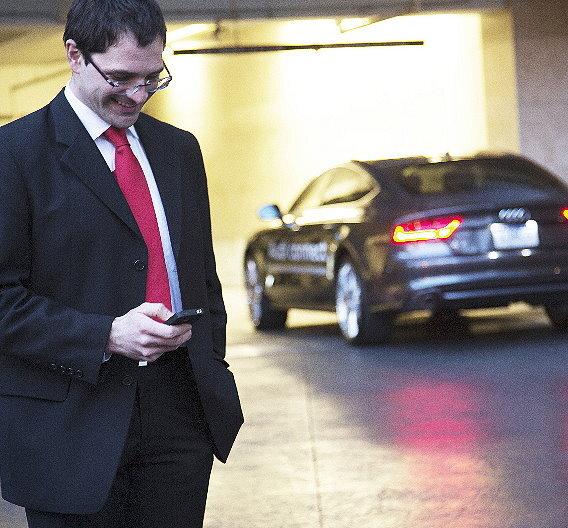 System für pilotiertes Einparken von Audi erhält Auszeichnungen.