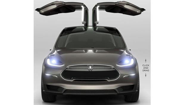Optisches Highlight des Elektrowagens Tesla X: seine Flügeltüren.
