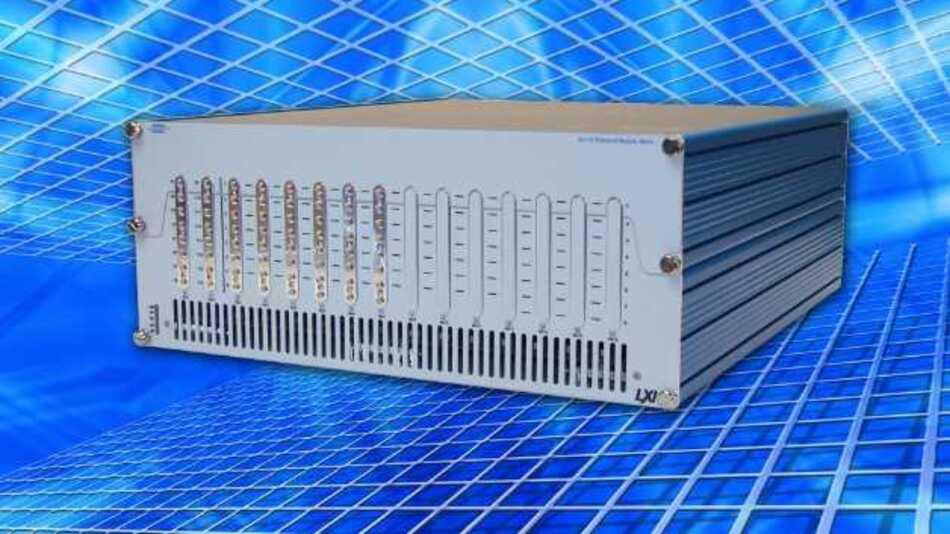 Die modulare Breitbandmatrix 65-110 von Pickering Interfaces erfüllt sämtliche Anforderungen des LXI-Standards Version 1.4.