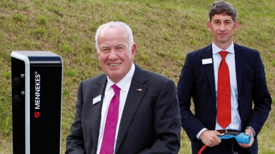 Walter Mennekes und Volker Lazzaro von Mennekes erwarten nach der Entscheidung der EU-Kommission steigende Umsätze mit Elektromobilität.