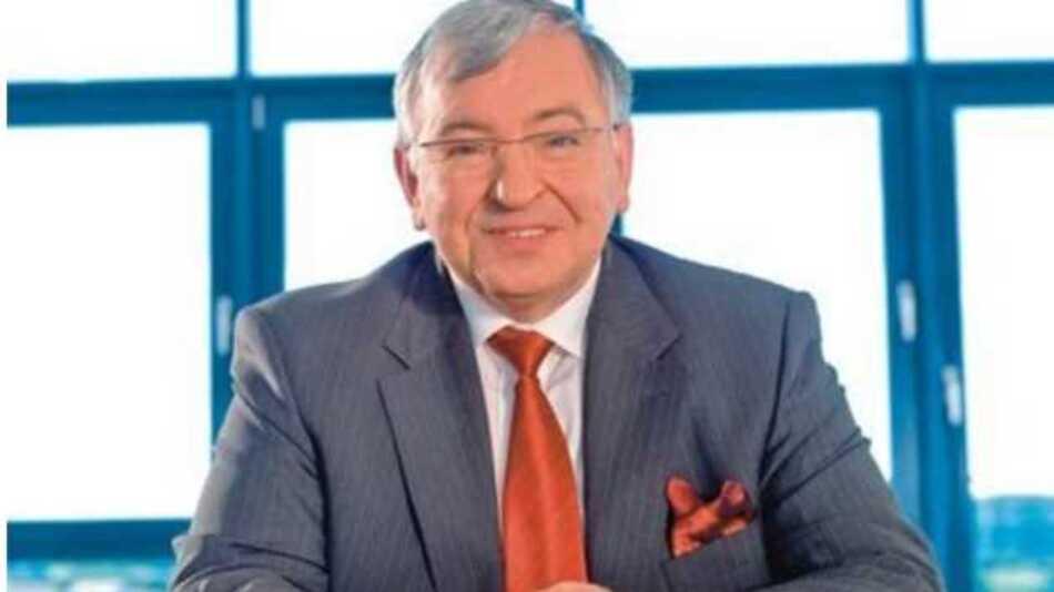 Am 1. Januar 1991 trat Dr. Karl Spanner dem Polytec-Konzern bei.  Als geschäftsführender Gesellschafter war er verantwortlich für den Kaufmännischen Bereich. Er betreute und entwickelte das weltweite Vertreter- und Niederlassungsnetz.