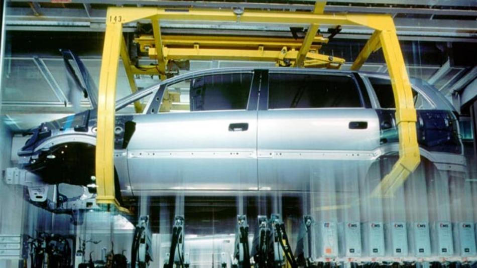 Opel will die ie Produktion kompletter Fahrzeuge im Opel-Werk in Bochum nicht bereits Anfang 2015 schließen; die Zafira Tourer-Produktion dort bis zu ihrem Auslauf Ende 2016 verbleiben.