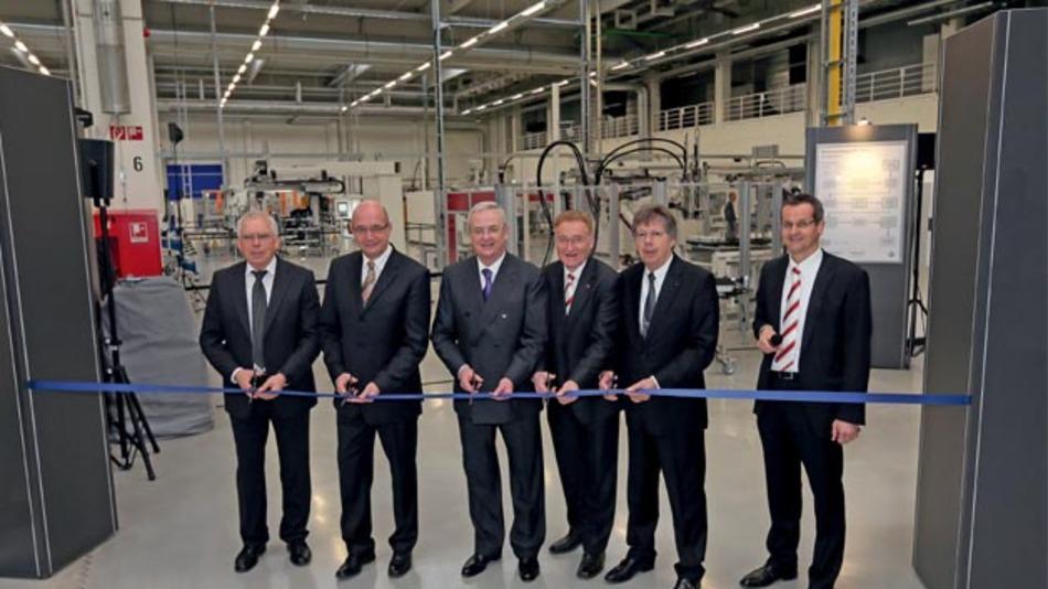 Eröffneten die Batteriesystemfertigung im Volkswagen Werk Braunschweig: Ulrich Hackenberg, Bernd Osterloh, Martin Winterkorn, Uwe Fritsch, Werner Neubauer und Thorsten Jablonski (v.l.).