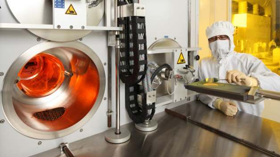 Forschungs-Reaktor am Fraunhofer IISB zur Herstellung von SiC-Epitaxieschichten