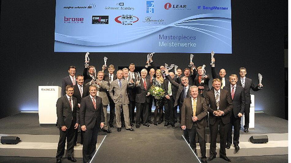 Daimler Supplier Awards 2012: Alle Preisträger der Daimler Supplier Awards 2012 mit Vorstandsmitgliedern und Einkaufsleitern der Daimler AG.