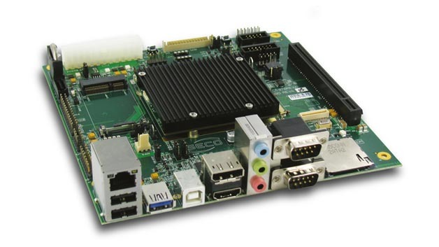 Mini-ITX-Carrier-Board mit Qseven-Modul und PCI-Express-Grafiksteckplatz.