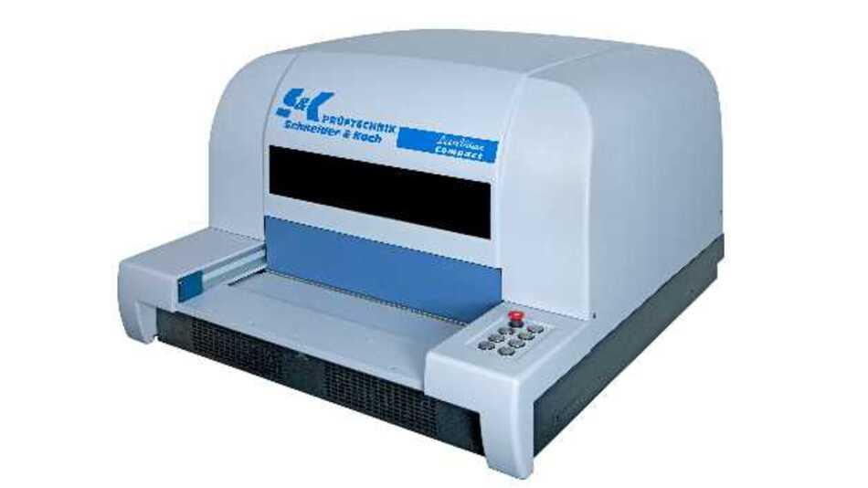 AOI-Tischsystems »LaserVision Compact 4« von Prüftechnik Schneider & Koch