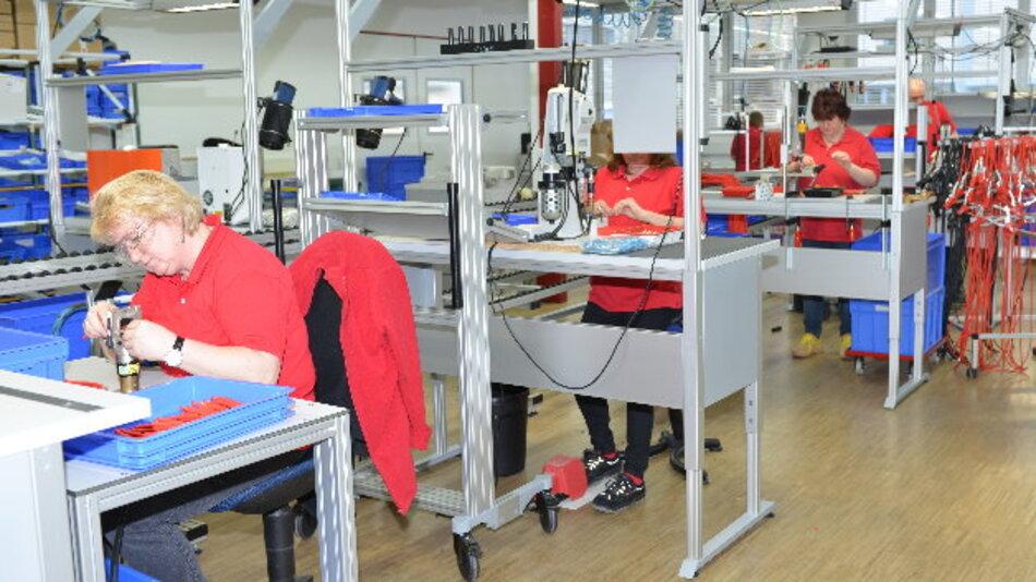 Mit einer neuen Fertigungslinie hat Multi-Contact seine Kabelkonfektionierung in Weil am Rhein ausgebaut. Hintergrund sei die zunehmende Nachfrage nach Komplettlösungen.