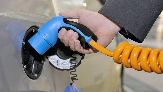 Strom tanken können erst wenige Neufahrzeuge.