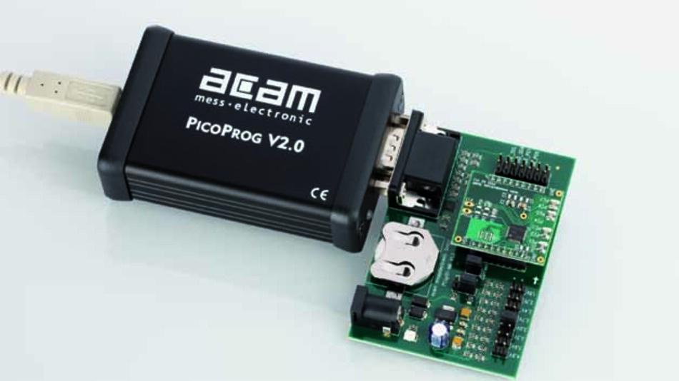 Entwicklungskit mit den neuen acam-Time-to-Digital-Chips: der Baustein selbst ist nur 5 x 5 mm groß und sitzt auf der kleinen Huckepack-Platine oben.
