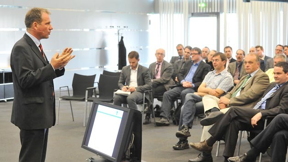 Stefan Becker, Kriminalhauptkommissar, Landeskriminalamt NRW plaedierte beim Bonner Dialog fuer Cybersicherheit fuer eine staerkere Zusammenarbeit zwischen Unternehmen und Polizei.