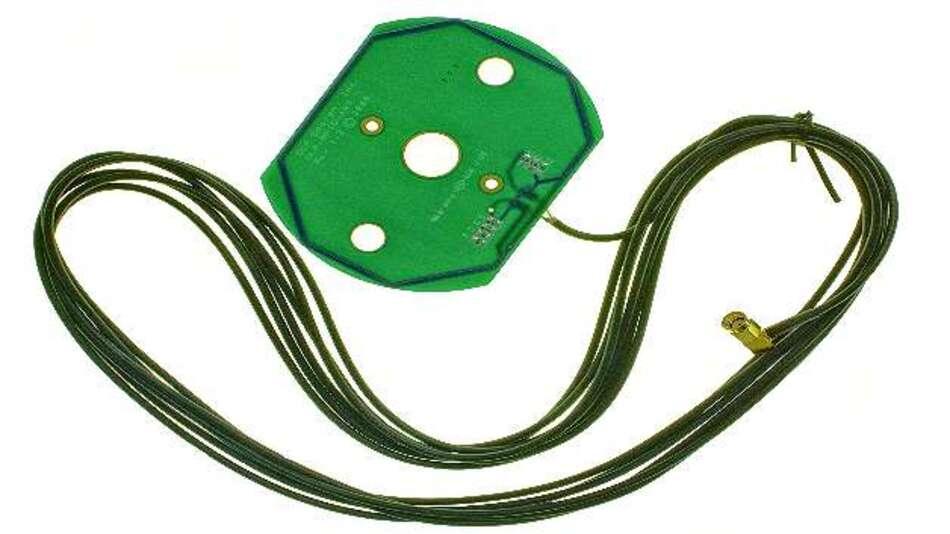 Bild 4: Die Patch-Antenne von  DLP Design wird mit einem 4,5 m langen Koaxkabel geliefert