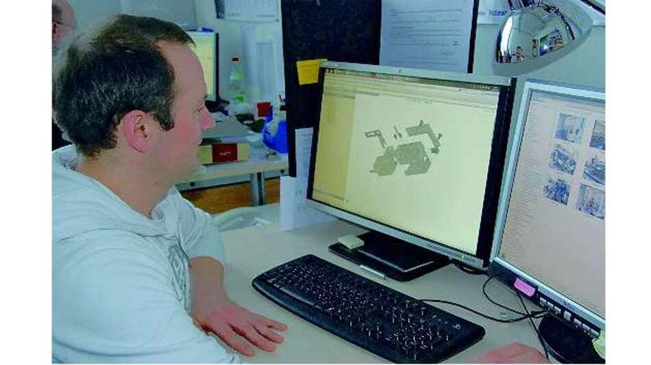 Bild 2: Dr. Christian Buggle von Menlo Systems erstellt an seinem CAD-PC ein dreidimensionales Hüllmodell des Shutters