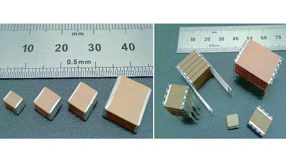 Bild 6: Links »StackiCap«-Kondensatoren der Baugrößen 1812 bis 3640, rechts zum Vergleich verschiedene gestapelte Versionen, darunter ein Fünffach-Stapel der Größe 8060