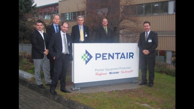 Distrelec und die Pentair-Gruppe haben einen Partnerschaftsvertrag unterschrieben
