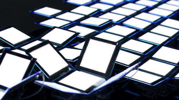 OLED-Installation mit Lumiblade-Modulen von Philips. OLEDs haben einige Vorteile gegenüber LEDs, sind aber teurer und weniger effizient.