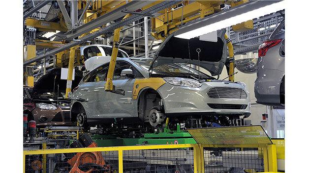 Schwebt in der regulären Fertigungslinie mit: der Ford Focus Electric.