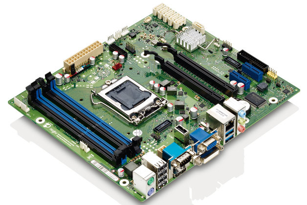 Fujitsu Technology Solutions aus Augsburg liefert seine Boards an einige Industrie-PC-Hersteller. Die neue MicroATX-Boardfamilie D322x-B enthält Modelle, die mindestens drei Jahre lieferbar sind – das ist für einen Massenfertiger, der sich hauptsächlich im Consumer-Umfeld bewegt, bereits ein »extended Lifecycle«.
