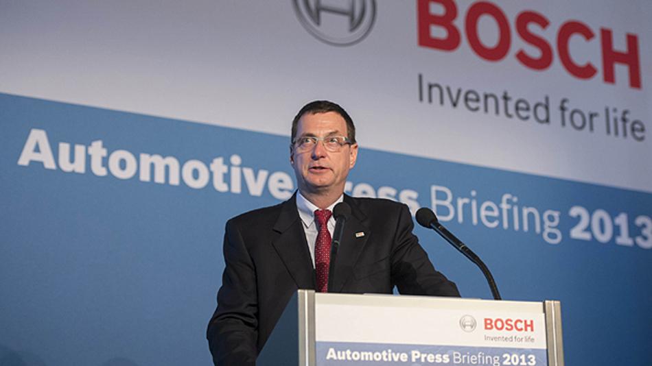 """Dr. Bernd Bohr, Vorsitzender des Bosch-Unternehmensbereichs Kraftfahrzeugtechnik: """"Es sind noch viele Entwicklungsschritte notwendig, um die Komplexität des innerstädtischen Straßenverkehrs technisch zu beherrschen."""""""