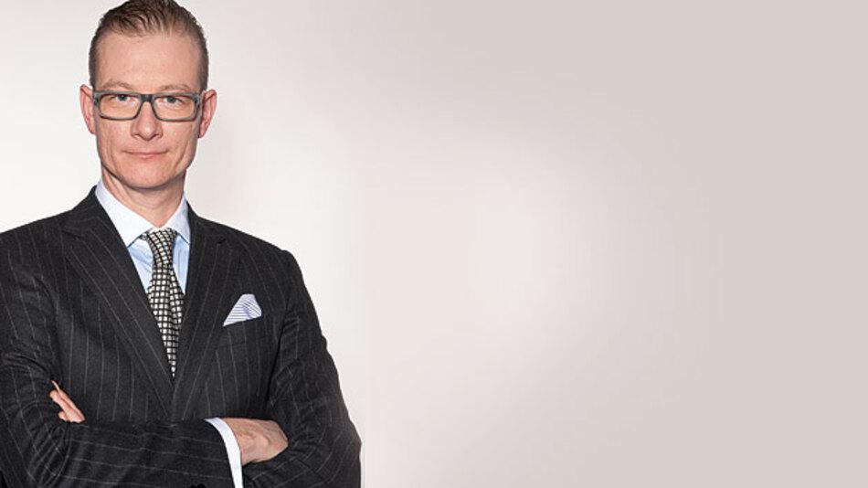 Rechtsanwalt Prof. Dr. Thomas Klindt (46), Partner der internationalen Wirtschaftskanzlei Noerr LLP: »Die Absicherung eines Unternehmens kann denklogisch in zwei Richtungen erfolgen: Entweder vermindert man ein Risiko oder man verlagert ein Risiko.«